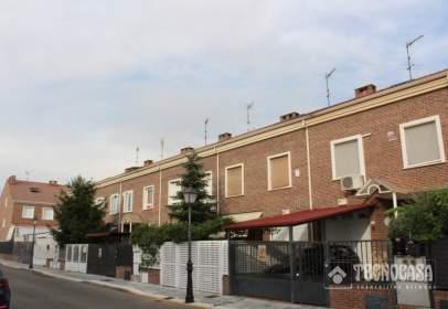Casa adossada a La Paloma-Asfain