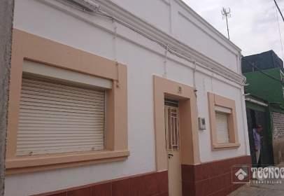 Casa unifamiliar en calle La Perlita
