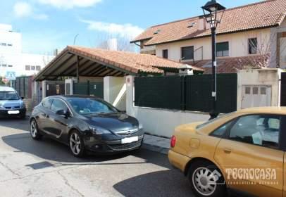 Terraced house in calle de Joaquín Turina