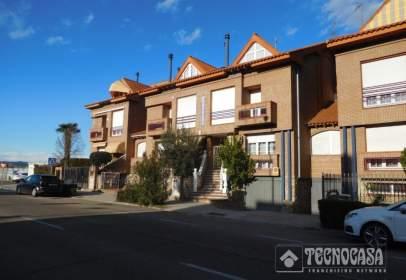Paired house in El Pilar-La Estación