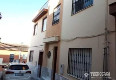 Casa adosada en calle Garrotín