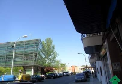 Local comercial a Avenida de los Reyes Católicos-Paseo de San Antonio