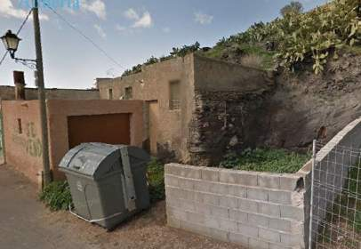 House in calle Alcaparra