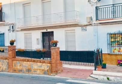Casa adosada en calle San Miguel