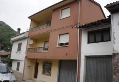 Casa adossada a Aldea de Barrio