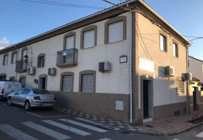 Flat in calle Luciano Alcaide