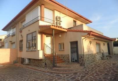 Casa pareada en Almodóvar del Campo