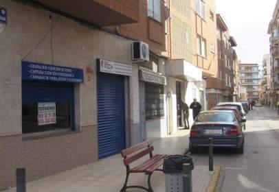 Local comercial en calle Antonio Machado