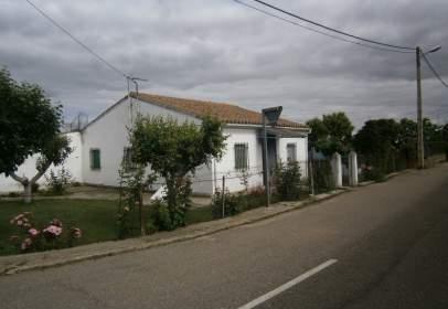 Casa a Área Rural