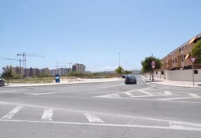 Terreno en Avenida Conrado Albaladejo