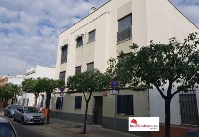Flat in calle Aníbal González, nº 49