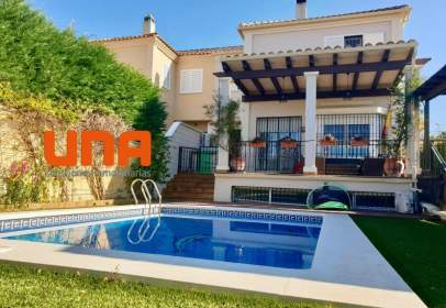 Casa aparellada a Periurbano-Alcolea-Santa Cruz-Villarrubia-Trassierra