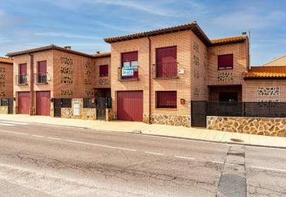 Casa adosada en Carretera de Serranillos, 20