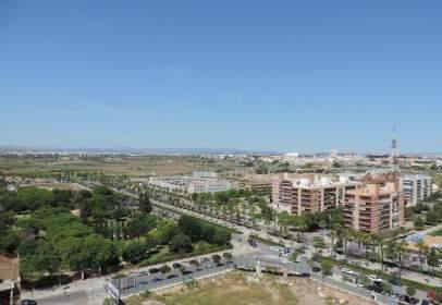 Pis a Avenida de las Cortes Valencianas, nº 45