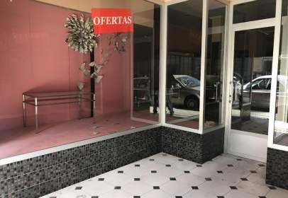 Local comercial en calle Carrer del Metge Ramón Tarazona, nº 1