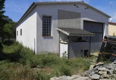 Nau industrial a Urb Aiguaviva Parc