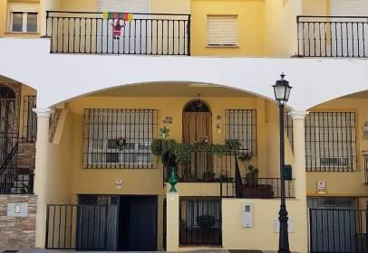 Casa adosada en Guadix, Zona de - Benalúa