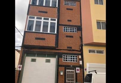 Casa adossada a calle Valencia, nº 32