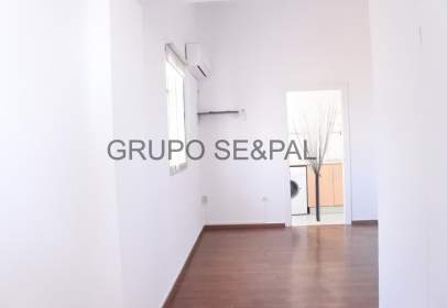 Penthouse in Sevilla Capital - los Remedios