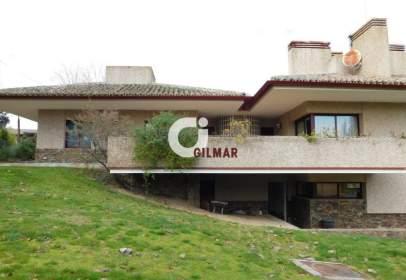 Chalet in Valdelagua