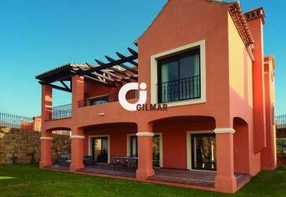Chalet in Estepona Golf
