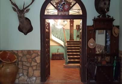 Casa en calle Fernando 'El Católico', nº 3