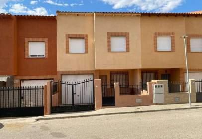 Casa adosada en calle de Ciudad Real
