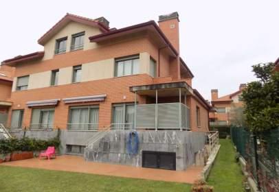 Casa a Elexalde Auzoa, prop de Carretera de Altzaga-Goikoa