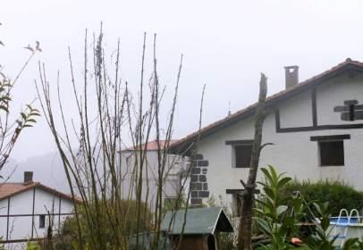 Casa adosada en calle Goyaz Gunea