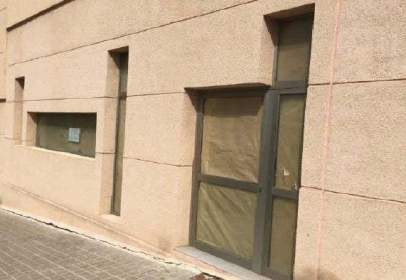 Local comercial a calle Pintor Miró Mainou, nº 3