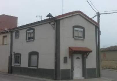 Casa en calle de los Olmos, nº 8