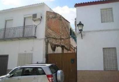 Terreno en calle Doce de Octubre, nº 40