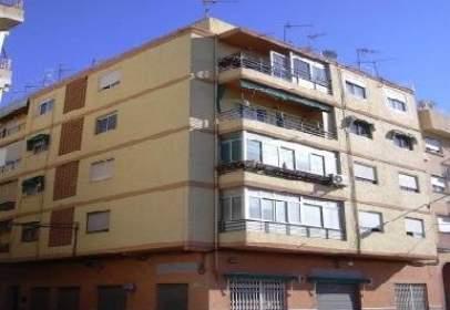 Flat in calle Juan Vazquez de Mella, nº 129
