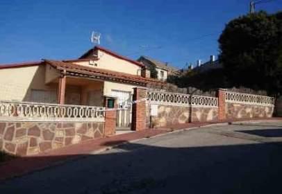 Casa en calle Isaac Albeñiz, nº 23