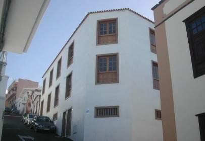 Flat in calle del Amparo, nº 18