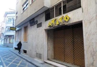 Local comercial en calle Gutierrez Mellado, nº 4