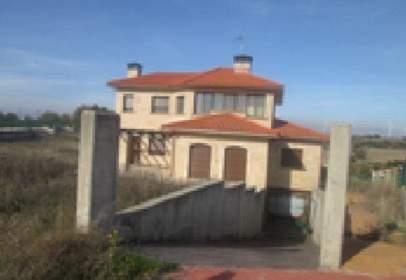 Casa a calle Gorrión  (Urb. Valmoral), nº 7