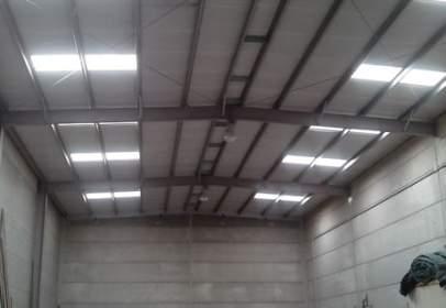 Nau industrial a La Plana