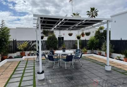 House in Avenida de Gran Canaria, 19