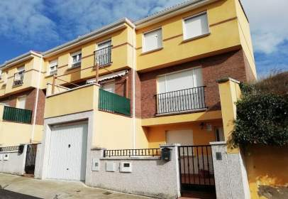 Chalet in calle Chamberit, nº 10