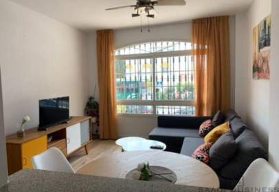 Apartament a calle Bolivia, prop de Avenida de Juan Sebastián Elcano
