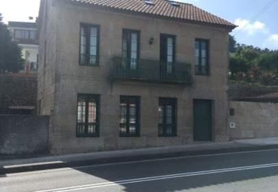 Casa en calle Avenida de Cangas, nº 73