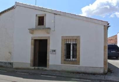 House in Golpejas