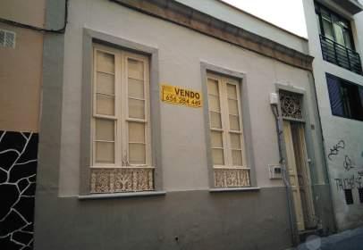 Casa en calle de Jesús Nazareno