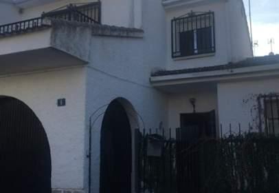 Casa adossada a calle Cervantes, nº 1