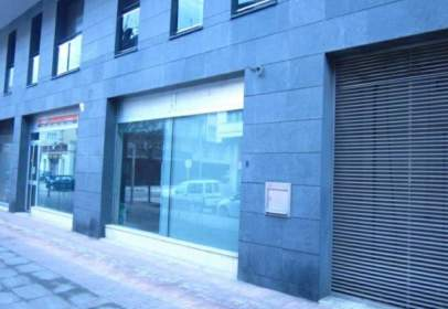 Local comercial en calle Av Guillem Graell