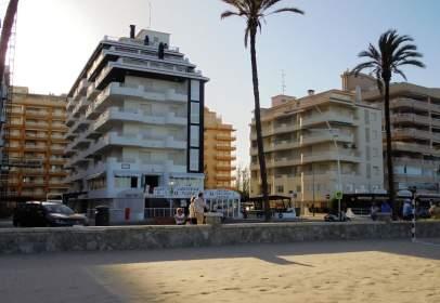 Apartament a Avenida Papa Luna, nº 14