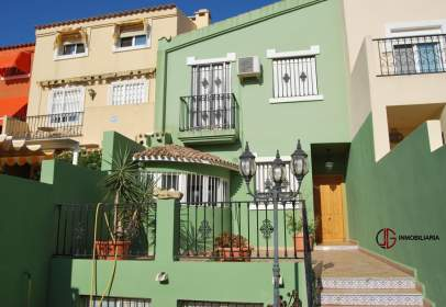 Terraced house in calle del Pi, nº 38