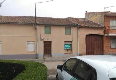 Casa en calle Alferez Provisional