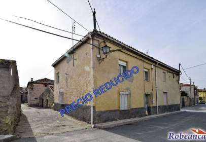 Casa a calle Iglesia, nº 28-30